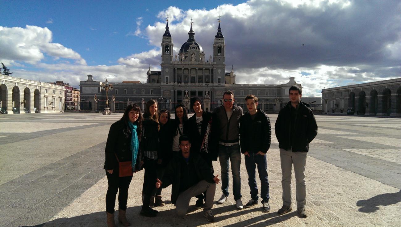 colegio privado en Madrid, colegio guzman el bueno, ESPA, graduado escolar, bachillerato a distancia